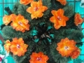 Coroana din brad artificial mare cu trandafir si crin portocalie