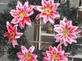 Coroana din brad artificial mic cu crin rosu 6 buc