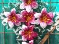 Coroana tip cruce cu crin rosu