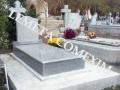 Cadru si monument funerar din granit gri deschis