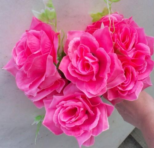 Trandafir roz buchet mare 2