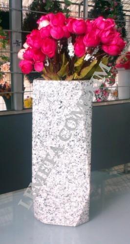 Vaza din granit gri deschis