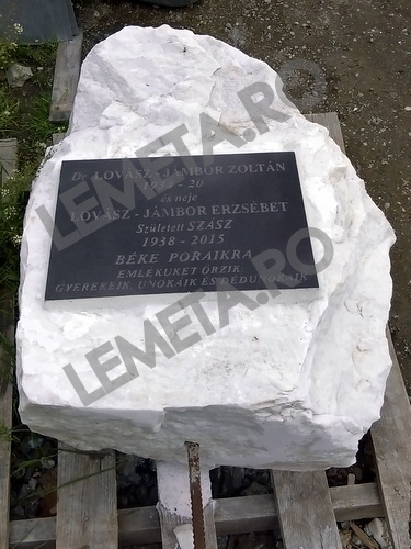 Marmura alba placat cu granit negru gravat
