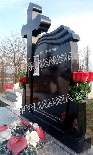 Monument funerar granit negru