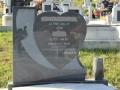Monument din granit gri inchis